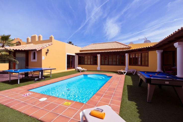 Lovely Bungalow style Villa near the heart of Corralejo.  http://www.villaplus.com/fuerteventura/villas/corralejo/villa-brisas-mar