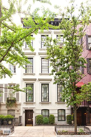 The only thing better than a townhouse at Christmas is a townhouse in the Spring.