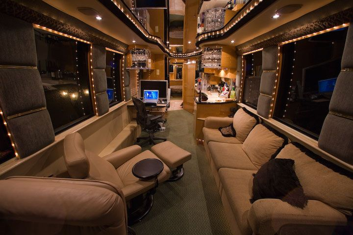 Michael 7 hours in this baby no girls no sister Tour bus interior design