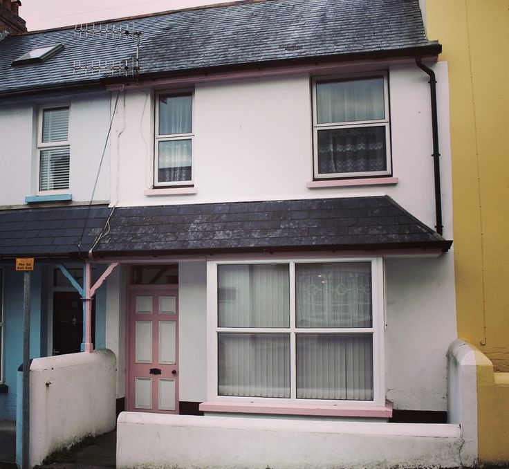 3 bed terrace house in a hugely convenient location, being in the heart of Bideford the shops and restaurants are at your fingertips - £154,950