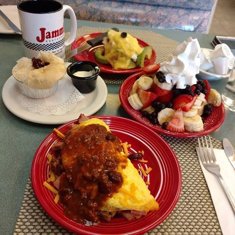 Erika's red plates lets you enjoy your favorites without all the rest of it! #JammsRestaurant #BestBreakfast #BestLunch