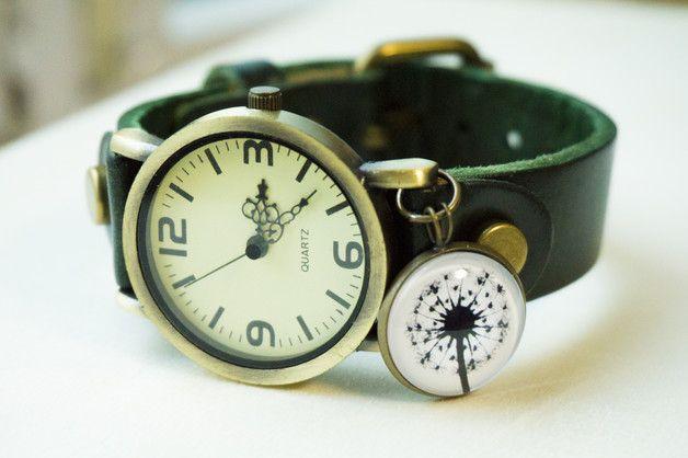 Löwenzahn echt leder armbanduhr   Farbe: grün  Größe: Armbandlänge: Mindest 15cm / 19cm Maximal Armband Breite: 1.8cm Uhr-Größe:2.5cm Cabochon:18mm  Material: Echtlederarmband,...
