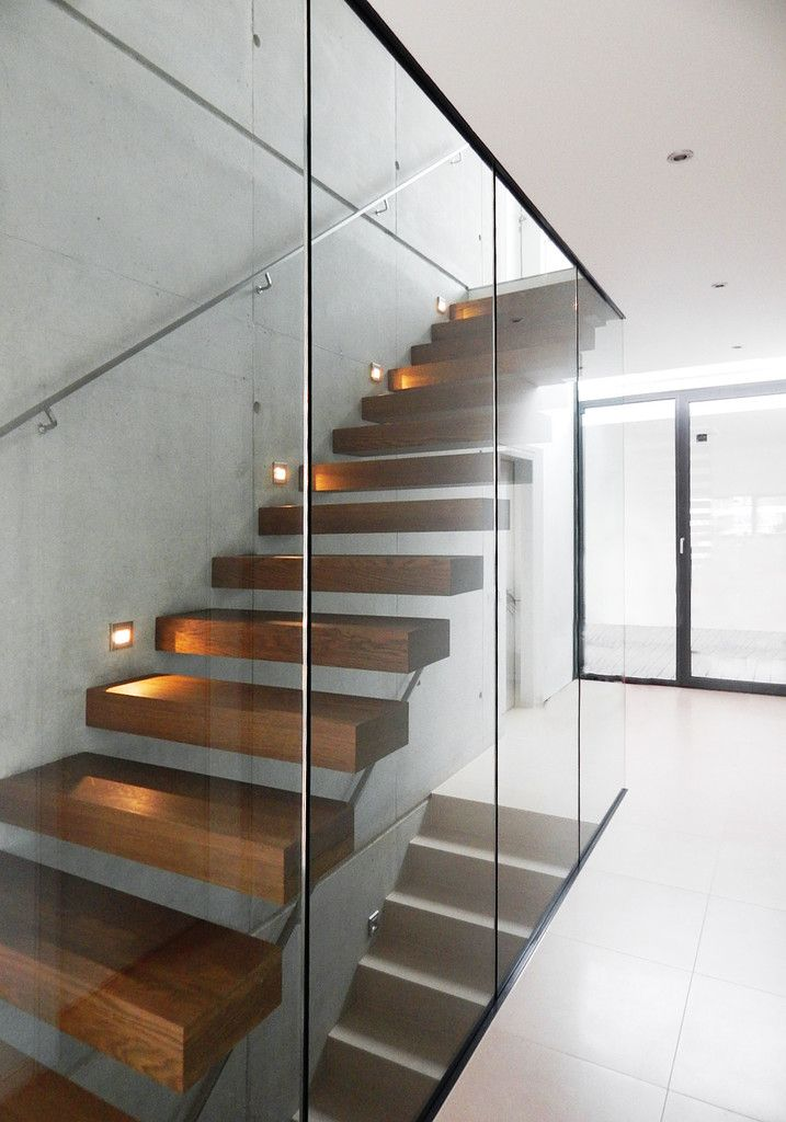 137 best staircase images on Pinterest Interiors, Interior - fensterfronten und metall treppe haus design minimalistisch