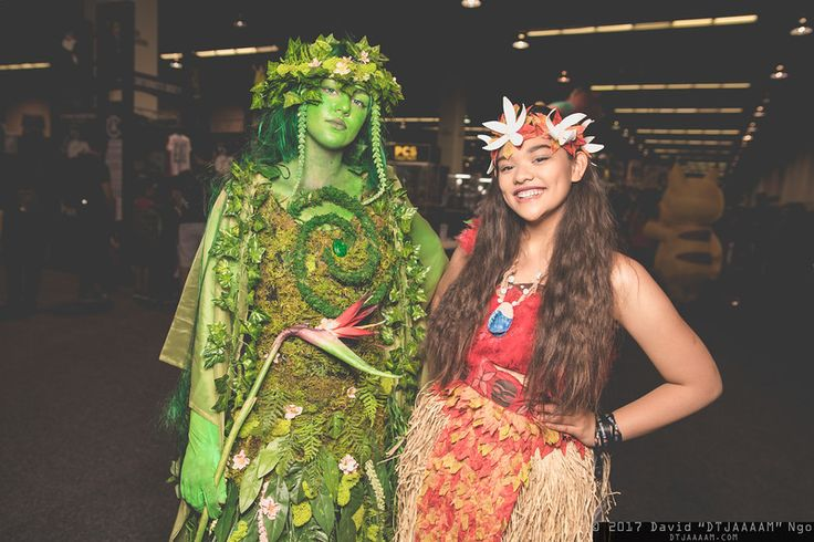 Characters: Tafiti and Moana / Film: Disney's Moana / Location: WonderCon 2017 / Photographer: DTJAAAAM
