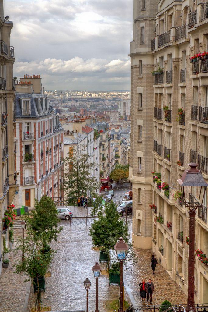 Montmartre, Paris, France Stone & Living - Immobilier de prestige - Résidentiel & Investissement // Stone & Living - Prestige estate agency - Residential & Investment www.stoneandliving.com