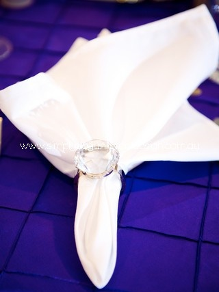 Simple yet elegant when the napkin is inserted in a ring