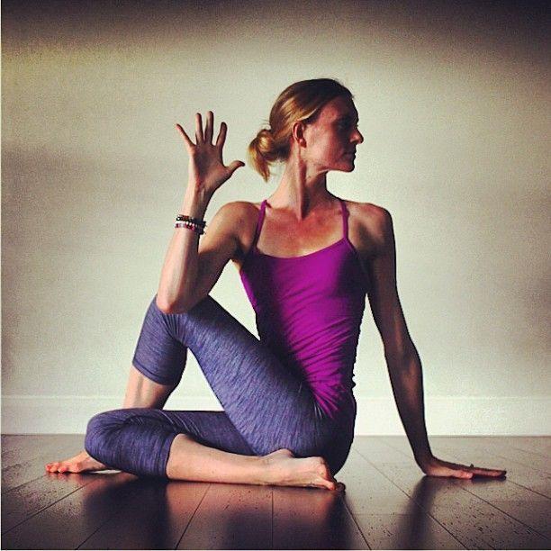 4 Yoga Asanas to Heal your Solar Plexus Chakra – Fractal Enlightenment