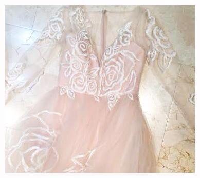 Loving this jim hjelm dress for a blushing bride!