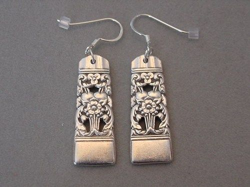 UNIQUE HANDCRAFTED VINTAGE SILVER PLATE SPOON EARRINGS. PATTERN IS CORONATION BY ONEIDA COMMUNITY  CORONATION Silver plate Spoon Handles hang from Silver plated flat fish hook earring wires. I make th