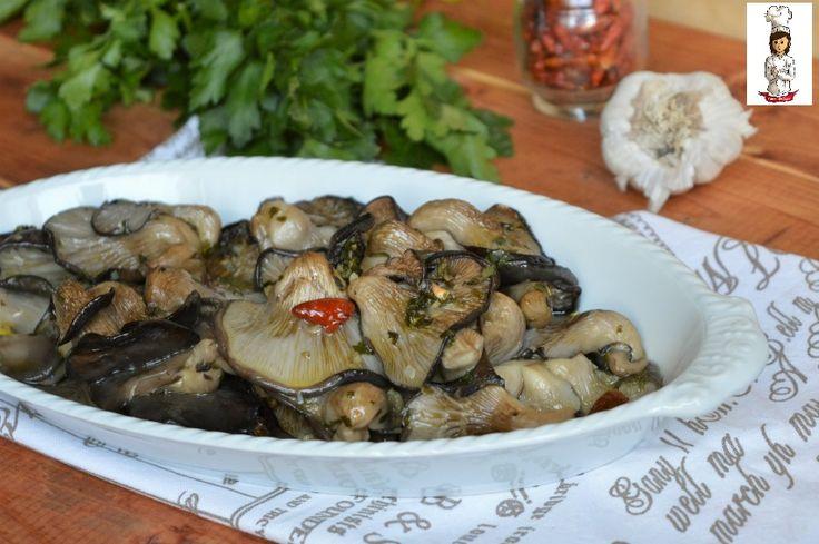 I Funghi pleurotus al forno saporiti sono un contorno molto che ha pochissime calorie