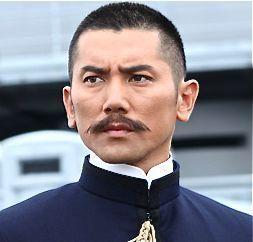 本木雅弘の男っぷり爆発な髪型・ヘアスタイル、ヘアアレンジ術まとめの11枚目