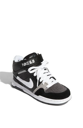 Nike 6.0 Little Kids.....it so could fit my feet