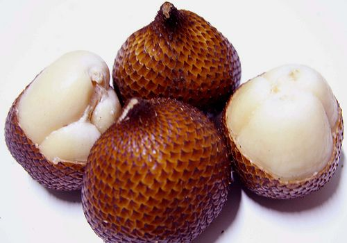 Salak (snake fruits)