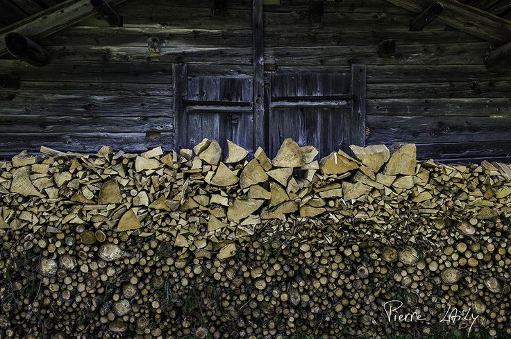 https://flic.kr/p/EzMq1o | Hiver être rude | Woodpile for hard winter