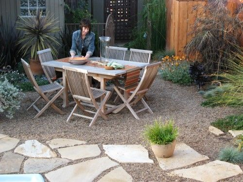I Like The Idea Of A Small Patio Space, With Flagstone And Pea Gravel To