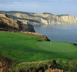 Hawke's Bay's Cape Kidnappers Golf Course has added another glowing plaudit to its list of acclaim - making the top 10 in Golf Digest US's top 100 list of the world's greatest courses outside the United States.