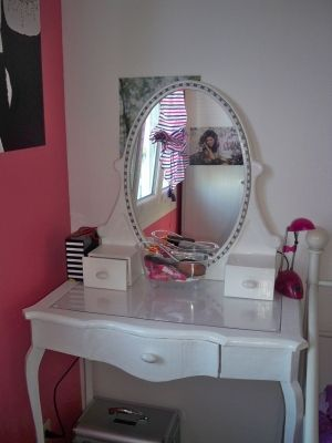 La coiffeuse de ma fille - La coiffeuse - Vous avez installé une coiffeuse dans votre chambre