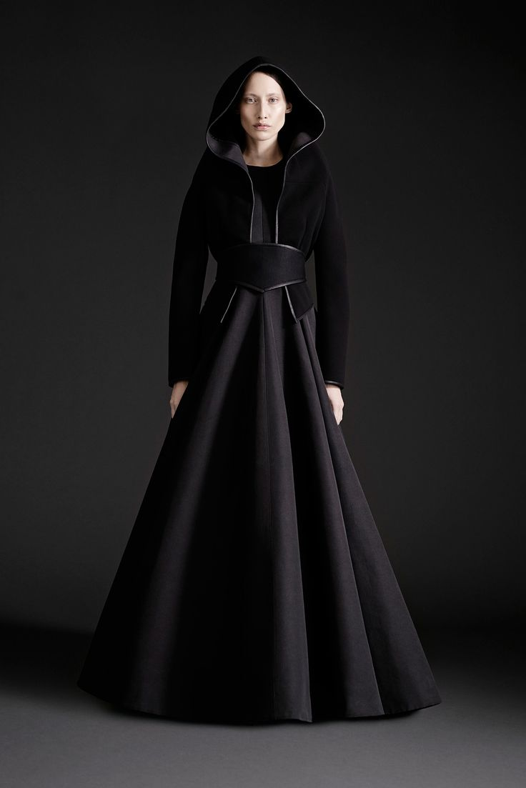 Cape // Gareth Pugh Spring 2015 Ready-to-Wear - Collection - Gallery - Look 1 - Style.com // Empress of Style