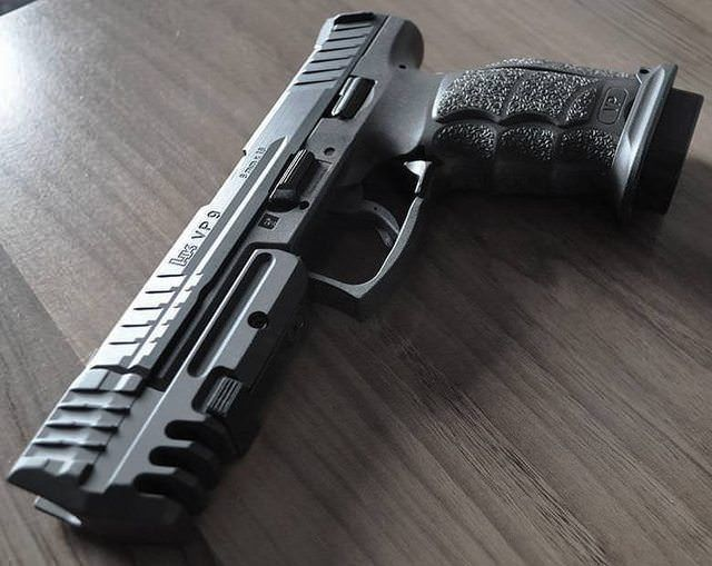 """gunsengrog: """"VP9 with match weight/compensator and low profile magwell. """""""