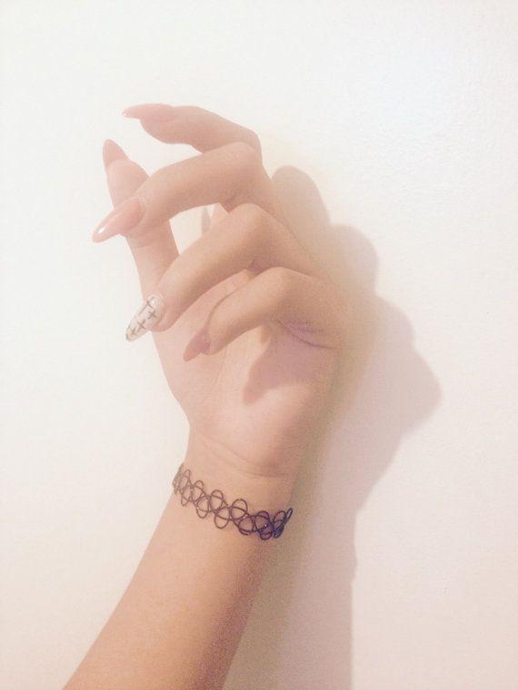 Bracelet tatouage noir vintage des années 90   – SHOP SHOP SHOP