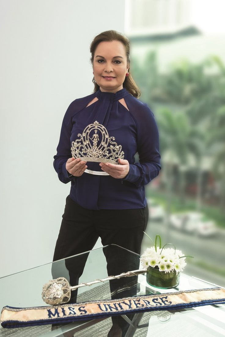 Margie Moran, Miss Universe 1973, with her crown, scepter, and sash