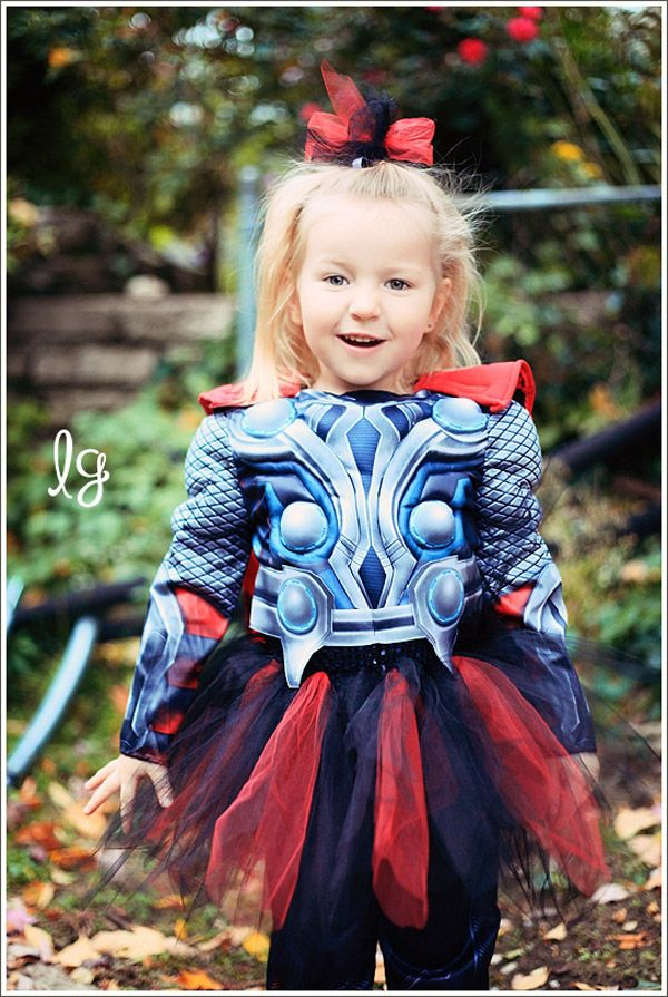 This Little Girl Makes Is An Unbearably Cute God of Thunder [Cosplay] | Fashionably Geek