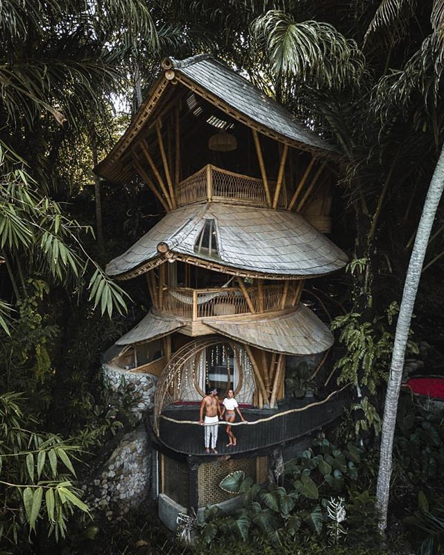Aura House Escape To This Beautiful Bali Treehouse Bali Indonesia Photo By Thelosttwo View Our Story T Cool Tree Houses Jungle House Tree House Designs