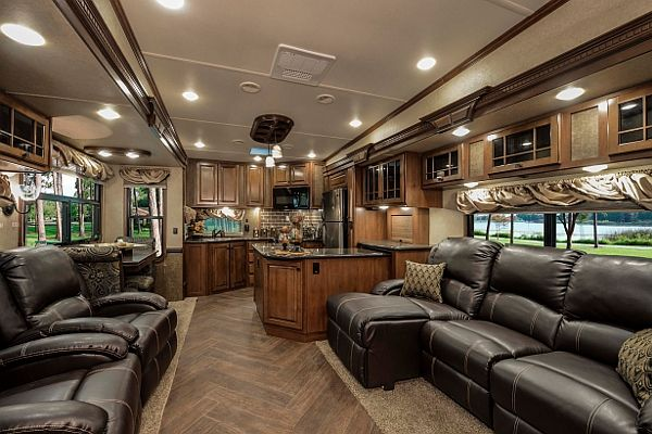 luxe 5th wheel rv pics | ... VANDER VLIET OF HEARTLAND RV DISCUSSES THE 2014 GATEWAY FIFTH WHEEL