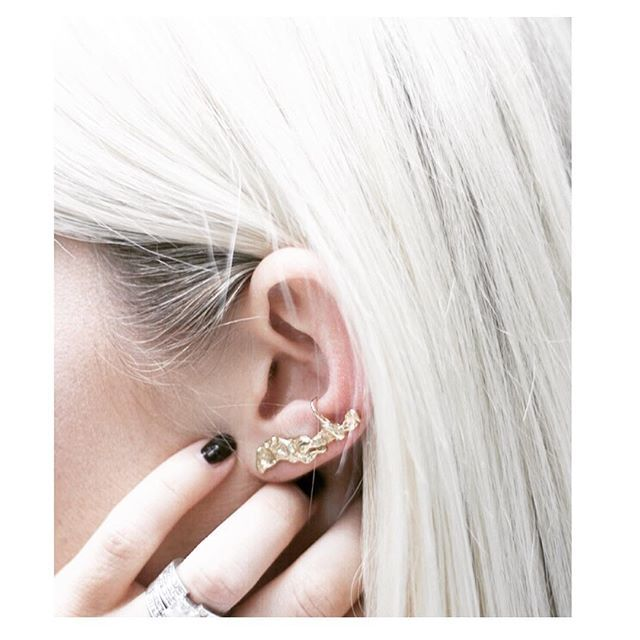 www.teonella.com 18KT Gold Earpin See how @themintedmama styled our favorite gold pieces on her blog today #fashionblogger  #handmade #teonella_  #18kt