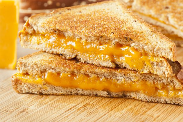Gooey Grilled Cheese - Approx. 400 Calories   #UWeightLoss