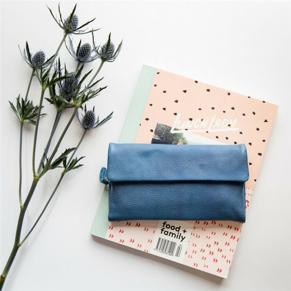 Dusky Robin Chloe purse - cornflower - Dusky Robin Leather - Product Showroom 2017