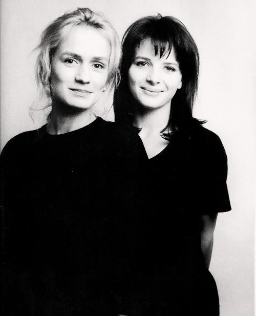 Sandrine Bonnaire et Juliette Binoche by Christophe d'Yvoire, 1989