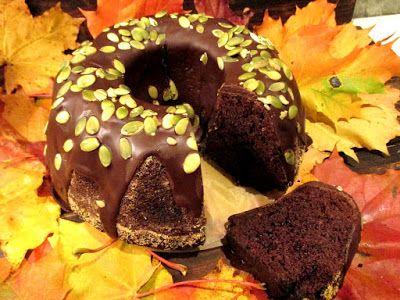 Tinskun keittiössä: Helppo suklainen kesäkurpitsakakku