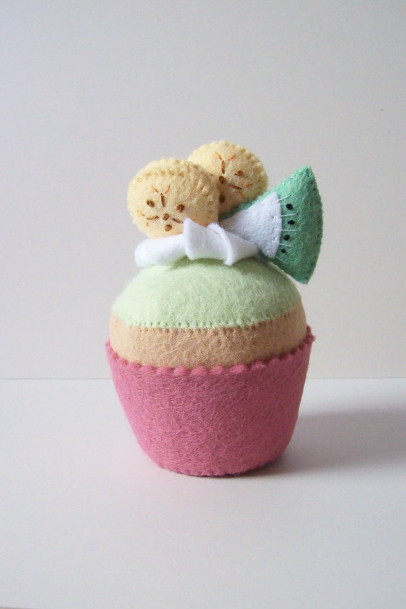 14 besten felt cupcake Bilder auf Pinterest   Filz cupcakes ...