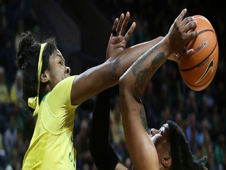 Hebard sets NCAA record, No. 9 Oregon beats USC in 2nd OT