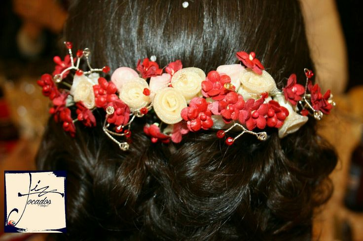 Ideal para madrinas e invitadas, #invitadas, #tocados, #perfecta, #flores, #bodas, #madrina