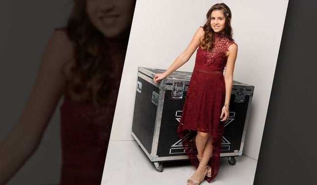Carly Rose Sonenclar - vestido do culto