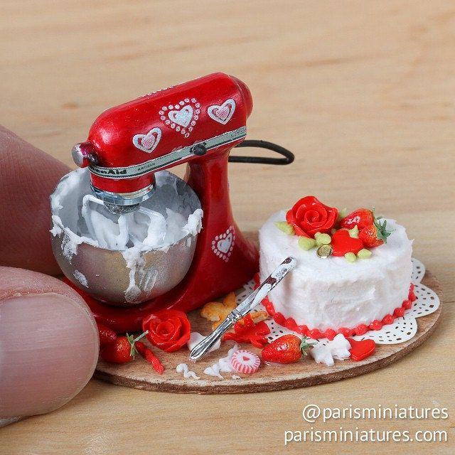 Valentines cake preparation board with cute Kitchen Aid mixer (miniature, miniature food) www.parisminiatures.etsy.com