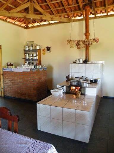 Fotos do Sítio Pinhal de Silveiras, SP Pousada Rural, restaurante com comida caipira no fogão à lenha Estrada dos Macacos, km 18 Tel.: ...