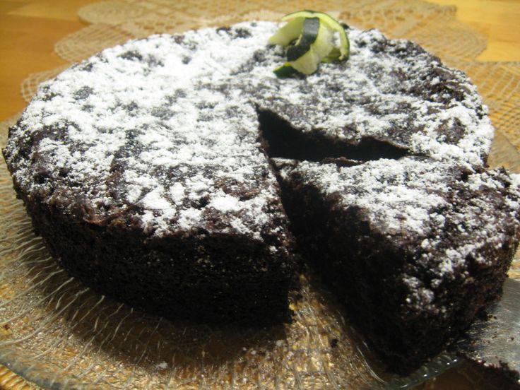 Kesäkurpitsa-suklaakakku