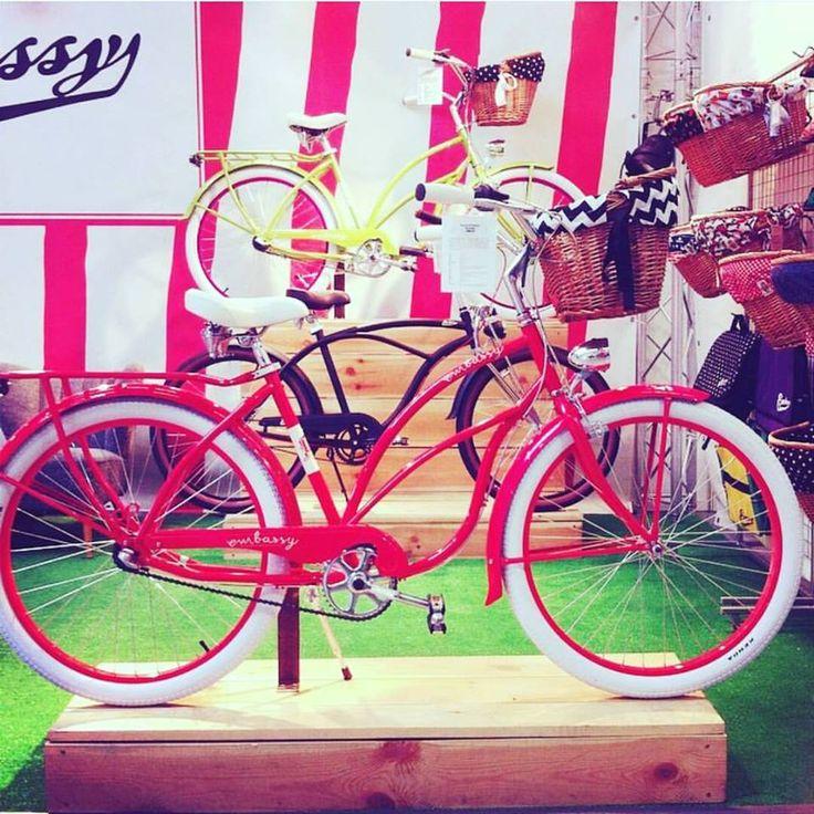 Buenos días guapas  ¤ ¤ ¤  El ganador del sorteo con @holacuore podéis ver en su blog  www.holacuore.com/hm-paris/ ¤ ¤ ¤ #favoritebike #bicycle #loveit #red #redbike #bicicletaurbana #bicicletas #mybike #hotred #buenosdias #instabike #picoftheday #embassy #tiendadebicicletas #holacuore #beachcruiser #cruiser #chictopia #iwantsummer #whereissun #love