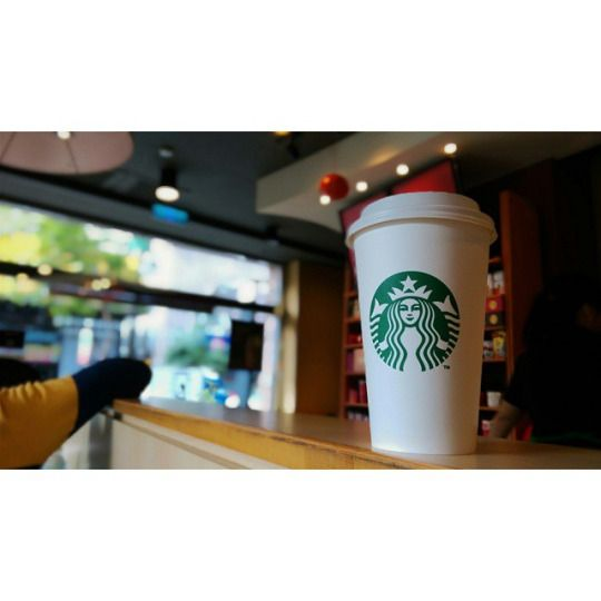 "大家早安…年假接近尾聲了,要開始""早睡早起""囉! #Starbucks # #coffee # #vsco # #vscoxvsco # #vscocam # #Kaohsiung # #Taiwan # #calvinieat # #intot # #intof # #intowb #(在 星巴克裕誠路)"