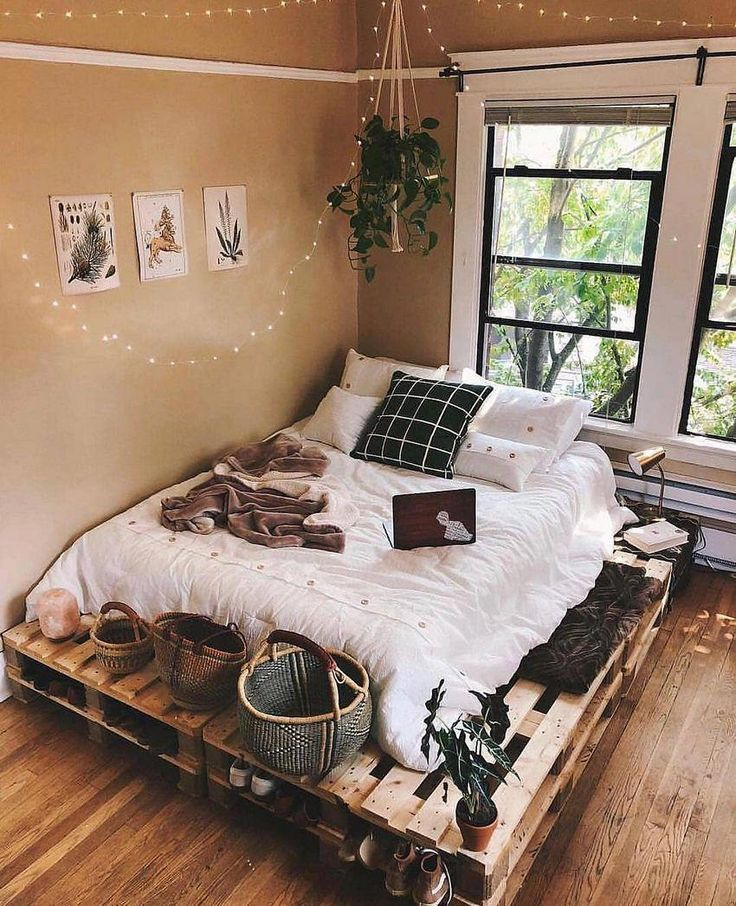 Get pallets for bed/a more cohesive bed set # ... on Small Room Pallet Bedroom Ideas  id=26877