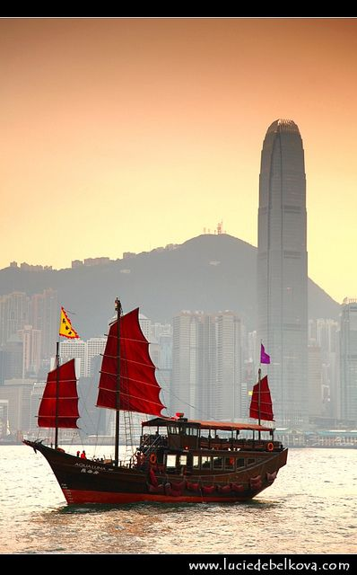 ✯ Hong Kong Harbour - Jay and I took a ride in one of these one day.  Wasn't sure we would ever be seen or heard from again!