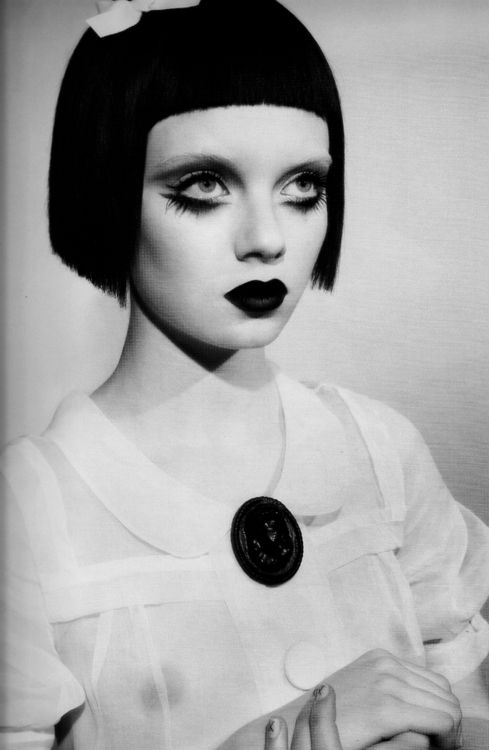 Just beautiful - gothic inspired makeup x