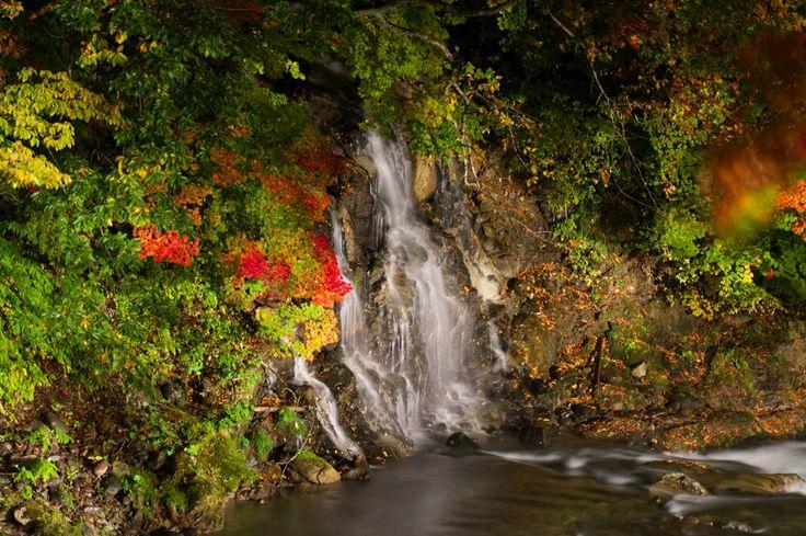 青森県黒石市 中野もみじ山 不動の滝