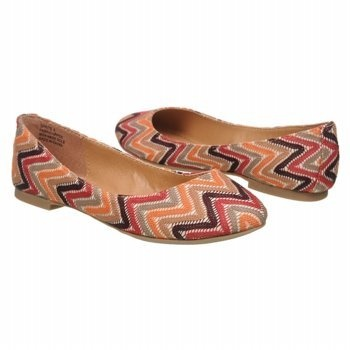 Tribal flats.Sprite Red, Red Multi, Women Sprite, Tribal Flats, Flats Feet, Clothing Fashion, Flats Flats, Soho Women, Zigi Soho