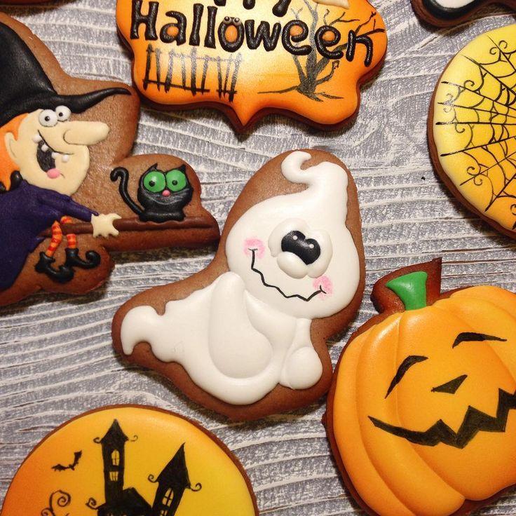 Небольшой сник пик набора на Хеллоуин, который я делала на заказ. Весь набор покажу завтра, когда сниму при нормальном свете. Извините за фото на телнфон, не удержалась. По-моему, это ужасно очаровательное привидение. #имбирныепряники #печенье #cookies #royalicing#пряникивмоскве #handmade#cookiedecorating #cookieart#пряникиназаказ #королевскаяглазурь#ручнаяработа #имбирноепеченье#customcookies#имбирноепеченьеназаказ#имбирноепеченье#имбирныепряникиназаказ#пряникиручнойработы #хэллоуин…