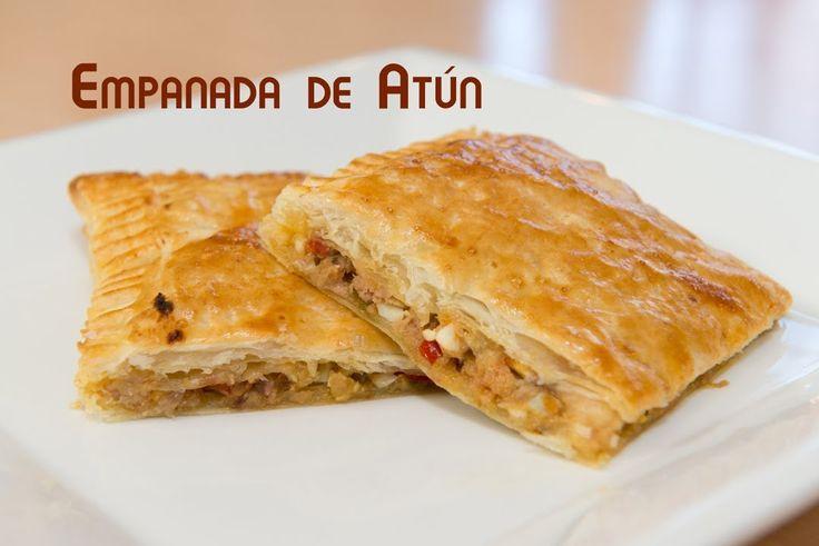 Empanada de Atun de Hojaldre con Pimiento, Huevo y Cebolla