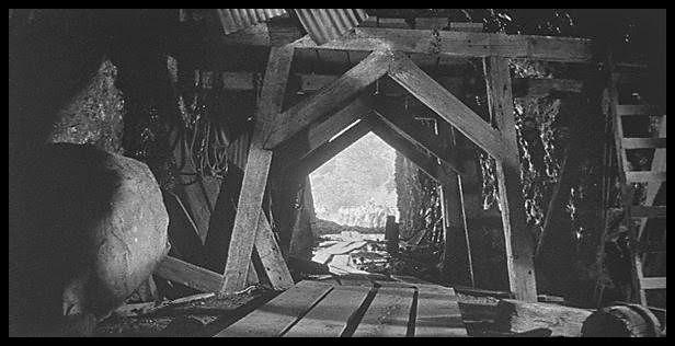 Cidade Encontrado 360 metros abaixo do Missouri City – Gigante esqueleto humano encontrado. | Sites Interessantes